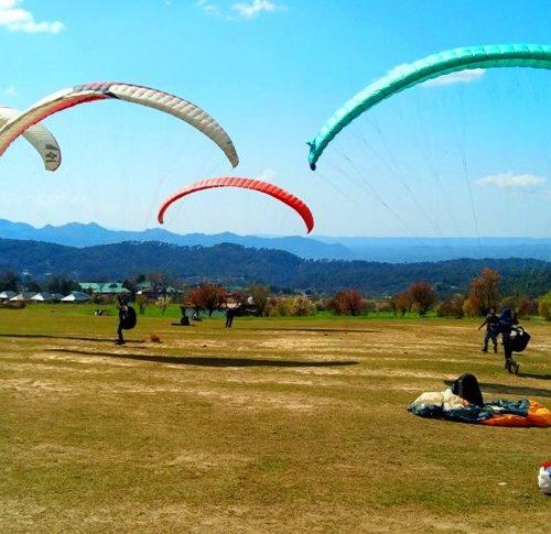 short paragliding session in Bir Billing himachal pradesh for adventure